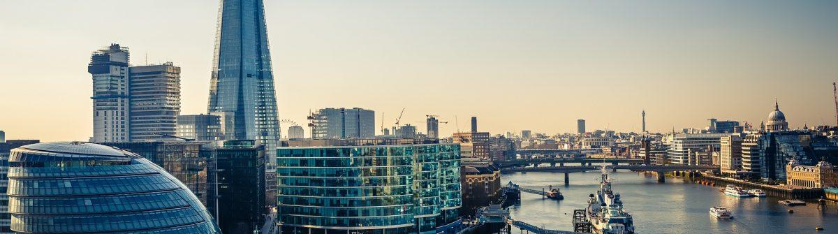 Uitzicht over de Thames en Londen