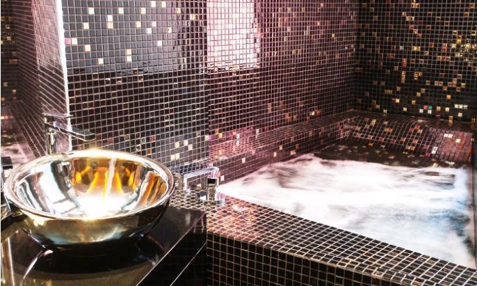 Hotel & Suites LOOB baño