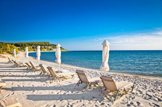 Sani sand beach on Kassandra peninsula, Halkidiki, Greece shutterstock_207444652-2