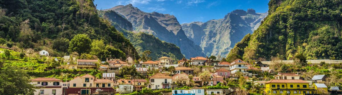 Rural Madeira – Parque Natural do Ribeiro Frio iStock_000061066294_Large-2