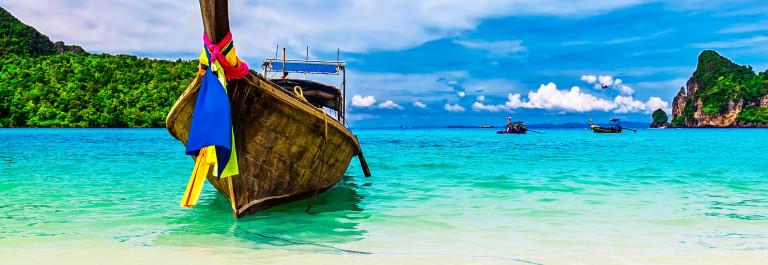 Tropisch strand aan de Andamanse Zee