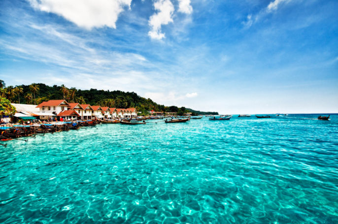 phuket-thailand-phi-phi-islands-istock_000021267610_large-2