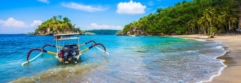 Tropical coastline of Nusa Penida island.