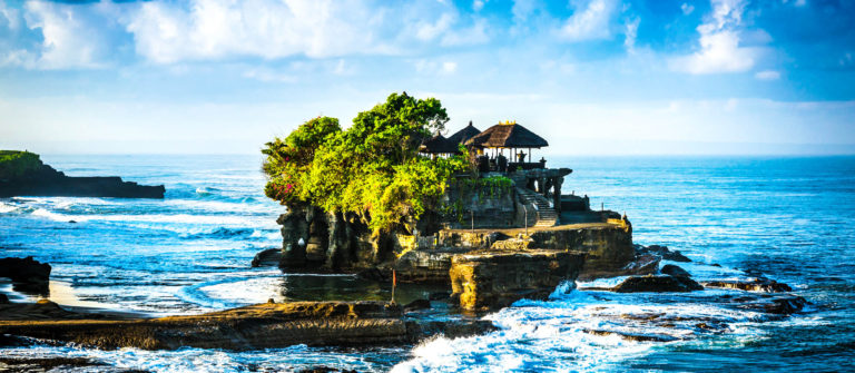 bali-water-temple-tanah-lot-istock_000026518482_large-2