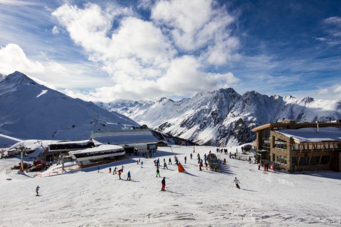 panorama-of-the-austrian-ski-resort-of-ischgl-taken-at-the-main-idalp-plateau-shutterstock_174105239-2
