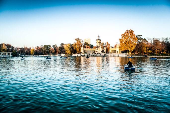 parque-del-retiro-lake-madrid-shutterstock_130263374-2