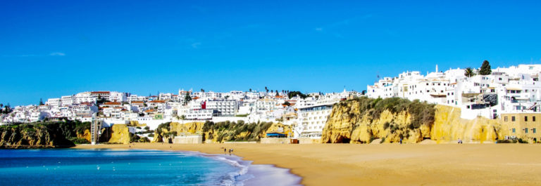 Het strand van Albufeira, Algarve , Portugal