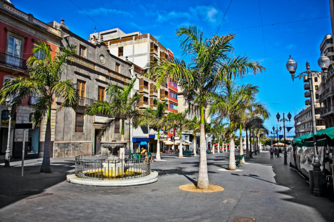 Mein street of old town Santa Cruz de Tenerife, Canary Islands, Spain shutterstock_134815736-2