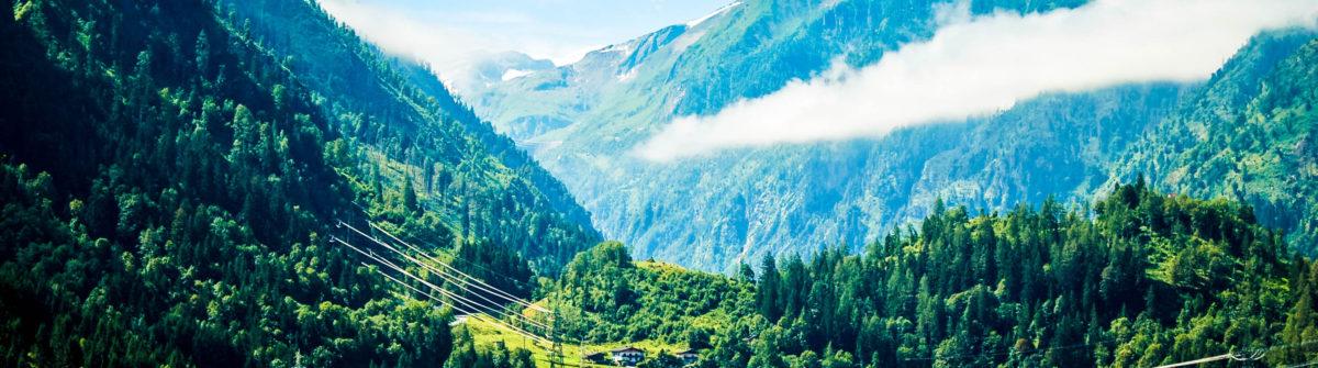 Mountain Kitzsteinhorn Kaprun iStock_000017937773_Large-2