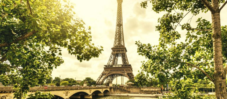 Eiffel Tower iStock_000052814418_Large