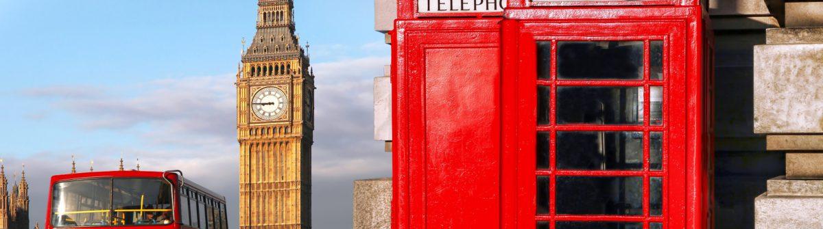 London Hop on Hop off Bus Telefonzelle shutterstock_302261093