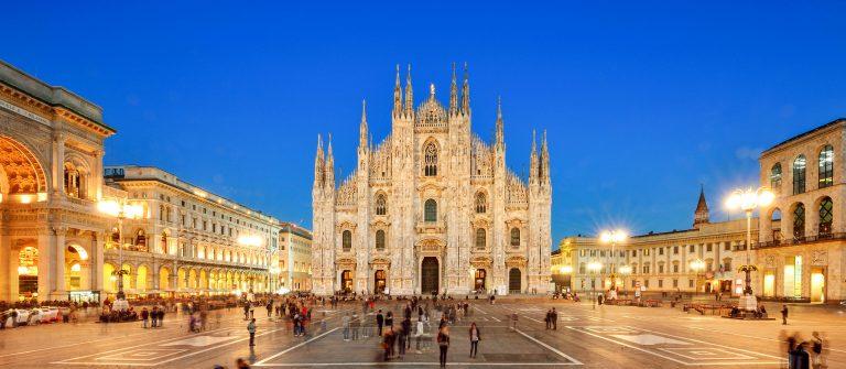 Milan Piazza Del Duomo, Italy