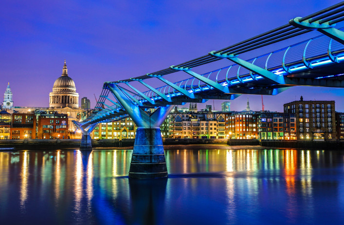 De Millennium Bridge uit Harry Potter en de Halfbloed Prins