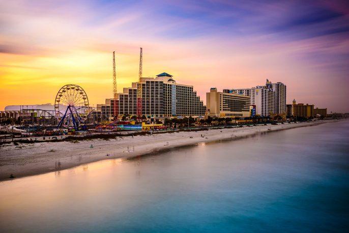 Daytona Beach Florida Beachfront iStock_000058289696_Large-2
