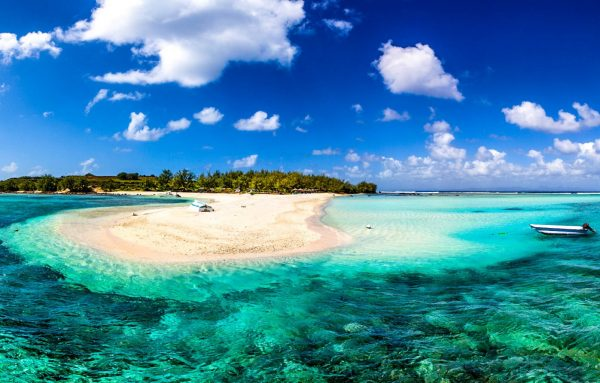 prachtige helderblauwe water