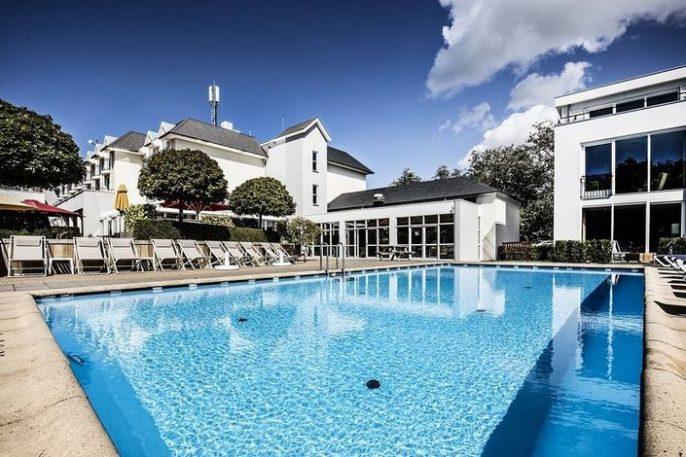 Het zwembad van hotel de Zeeuwse stromen