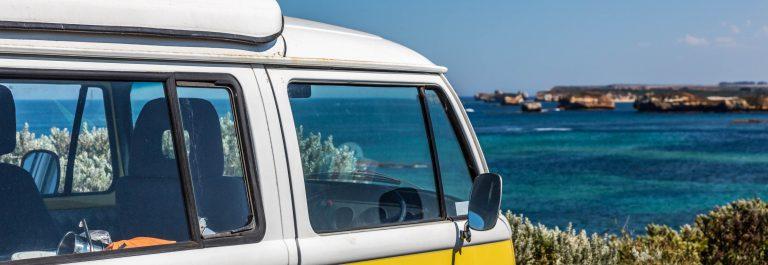 Een Volkswagen campervan
