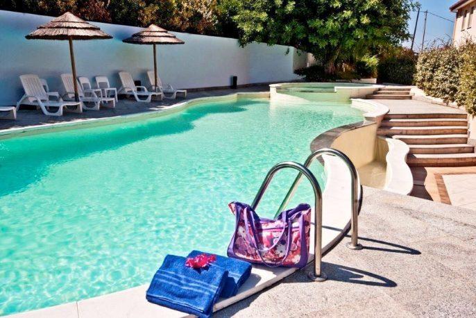 het zwembad van het PH hotel