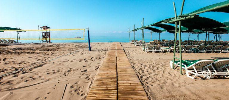 Strand bij Belek in Turkije
