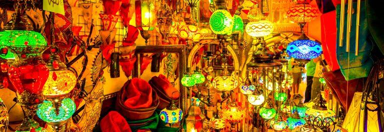 Lampionnen op de markt in Marrakesh