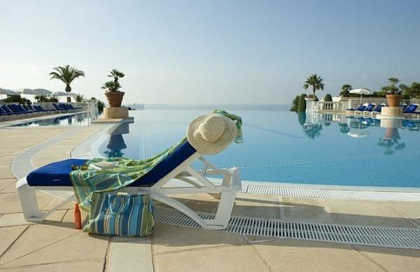 Zwembad van residentie Cannes Villa Francia