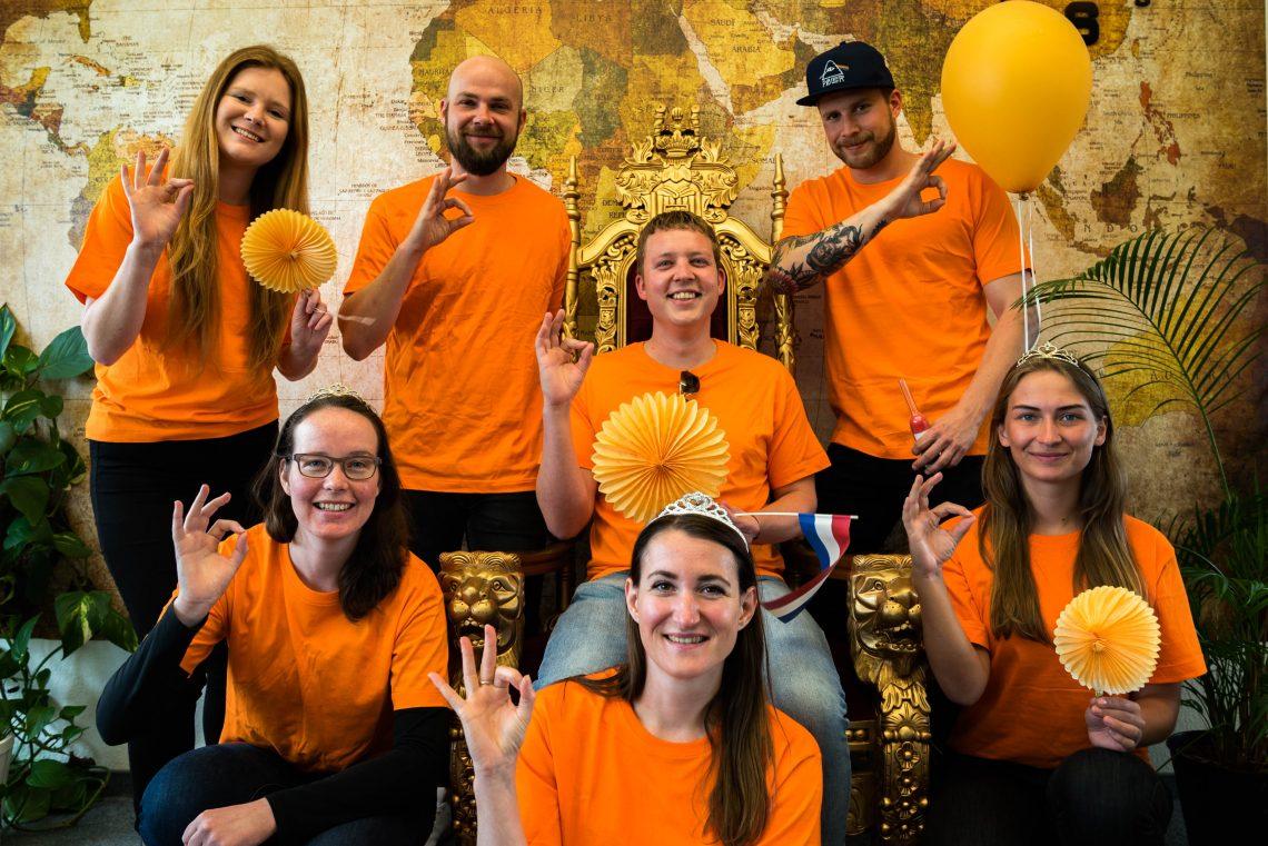Teamfoto Holidayguru Koningsdag