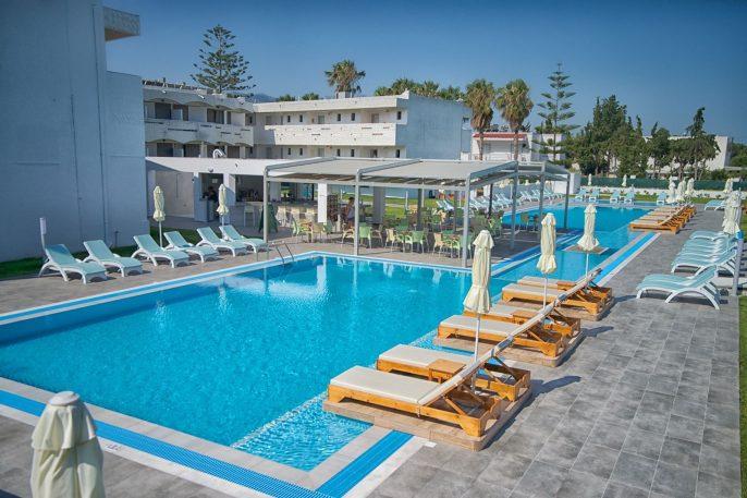 Frosini Hotel pool bar