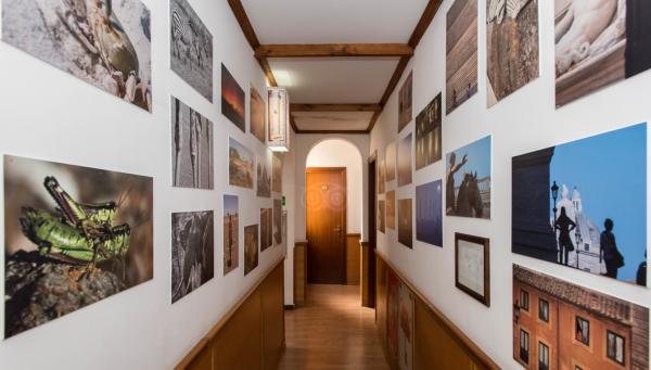 Kunstzinnige inrichting van hotel Santa Prassede