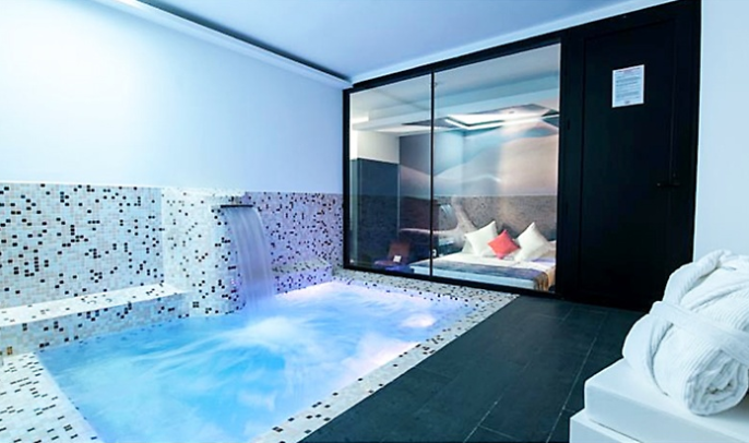 Hotel & Suites LOOB jacuzzi