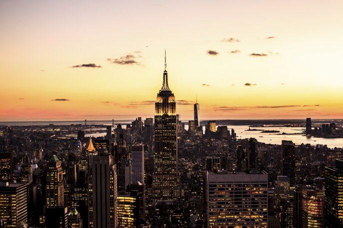 Goldener Sonnenuntergang, New York Empire State iStock_000052038616_2000pixel