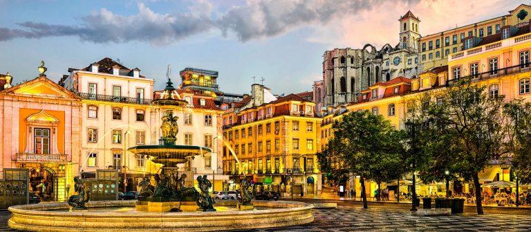 Lissabon Lisbon, Portugal iStock_000069608703_Large-2