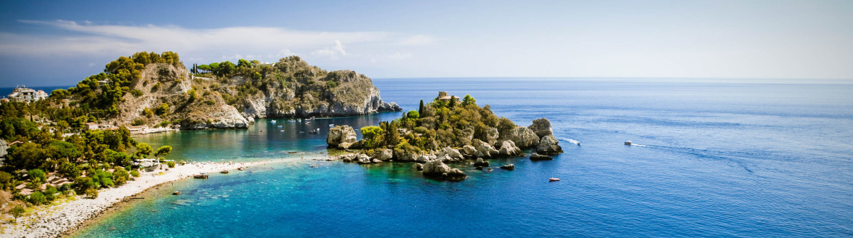 Isola bella in Taormina auf Sizilien iStock_000054903516_Large-2