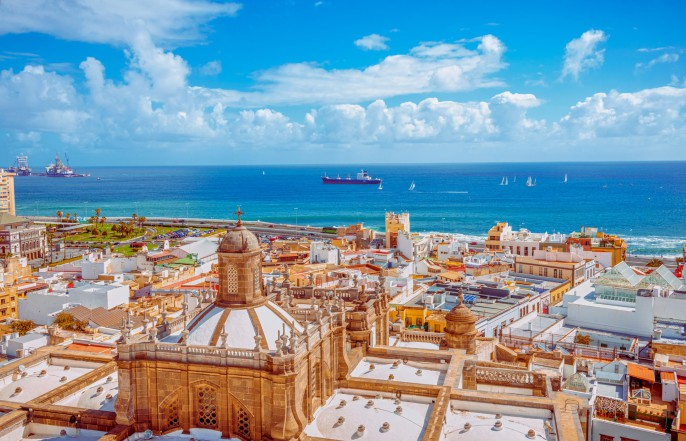 Las-Palmas-de-Gran-Canaria-iStock_000048926098_Large