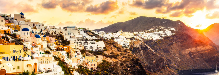 Santorini sunrise Greece iStock_000079055873_Large-2