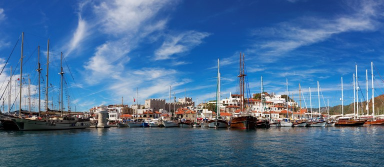 Marmaris city with fortress and marina, view from sea, Turkey, Europe_shutterstock_203115424