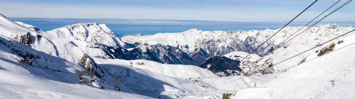 mountain-landscape-in-les-deux-alpes-french-alps_shutterstock_158458058-copy