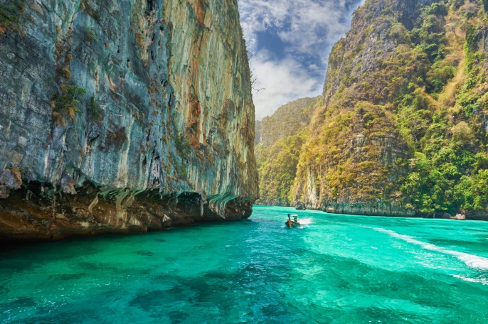 Thailand_Phi_Phi_shutterstock_232532107