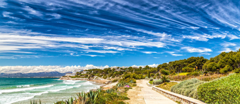 beach-in-salou-costa-dorada-spain-shutterstock_198076370-2
