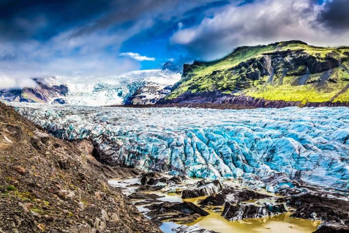 stunning-vatnajokull-glacier-and-mountains-in-iceland-shutterstock_369852974-2-707x471
