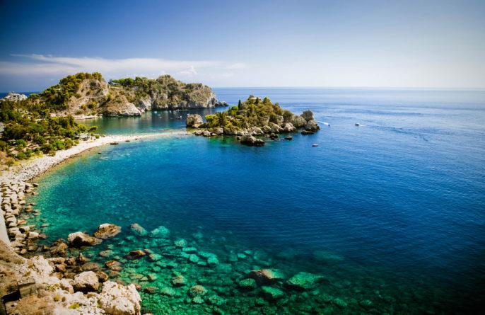 isola-bella-in-taormina-auf-sizilien-istock_000054903516_large-2