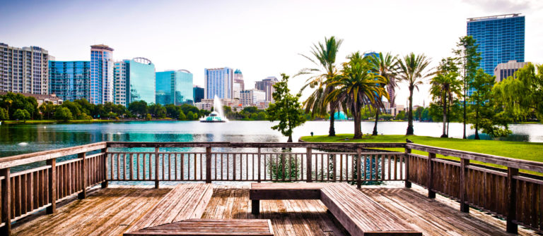 Orlando downtown, lake Eola