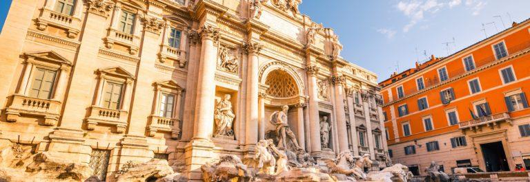 fountain-di-trevi-in-rome-italy_shutterstock_111075467